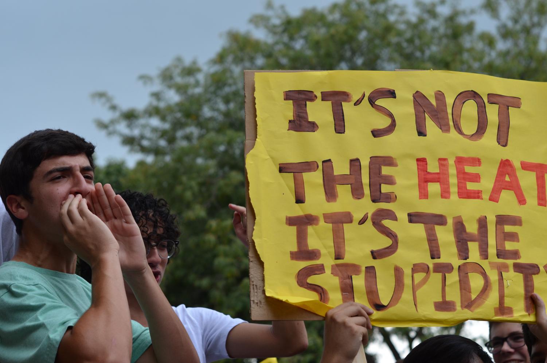Fawwaz Shoukfeh addresses students at the strike